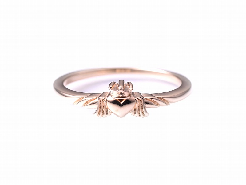 TINY ANGEL HEART RING