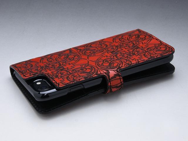 049659cba7 レザーを贅沢に使用したDEAL DESIGNの手帳型iPhoneケース。  内側にはカードスロットを2室備えており、大変便利な仕様に仕上がっています。スタンド機能を使えば動画 ...
