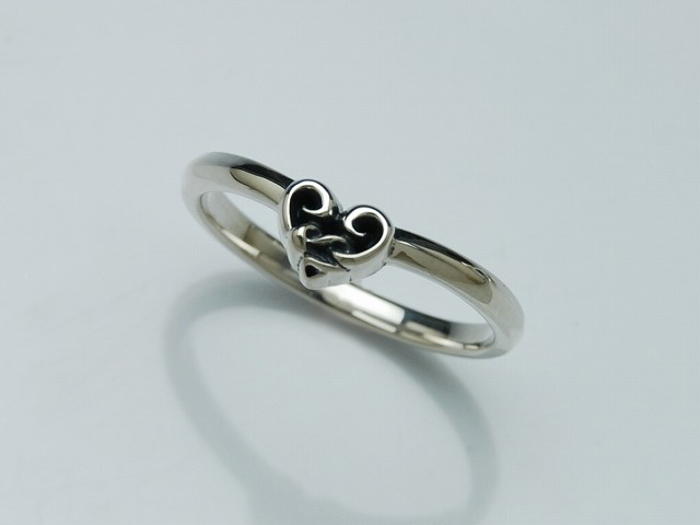 SNAKE WIRE RING